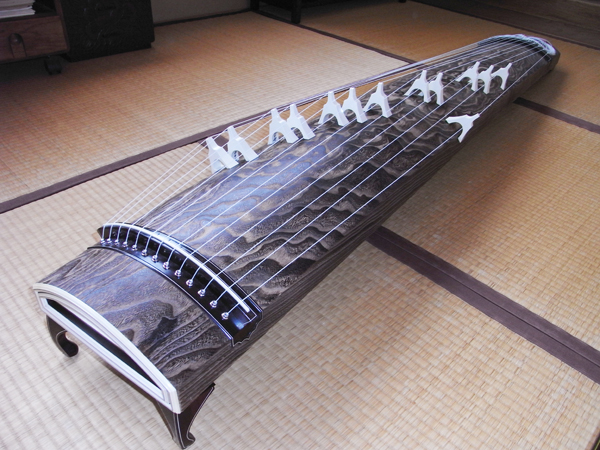 Koto, Japanese musical instrument